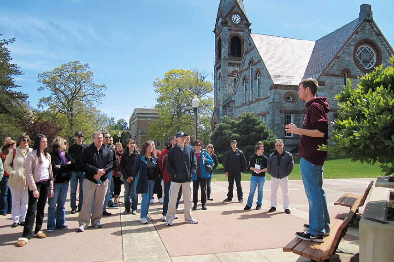 student-tourguide